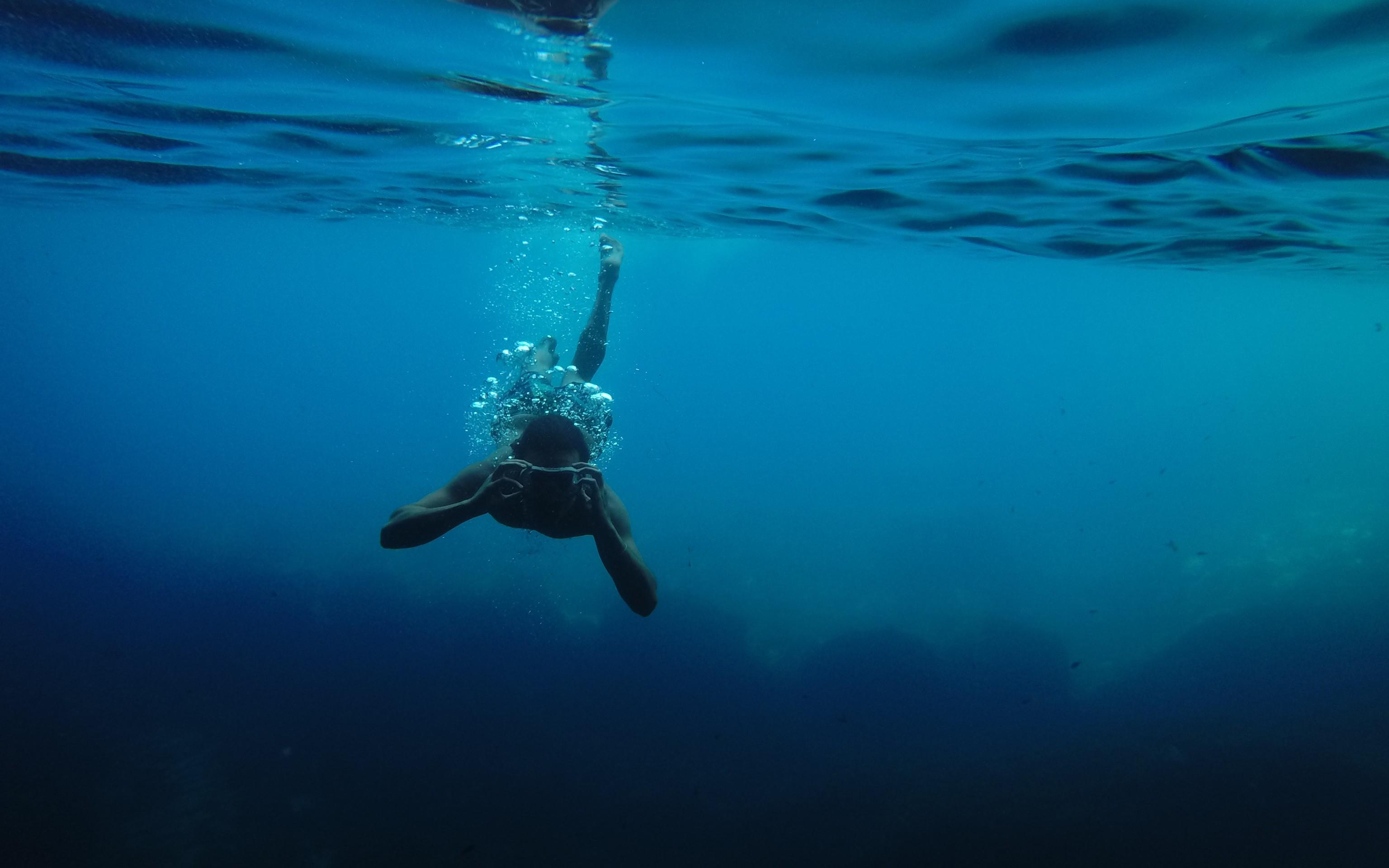 Amazon SQS as an Event Source to AWS Lambda : A Deep Dive