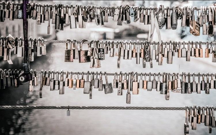 A Step-by-Step Guide for Protecting Sensitive Data in Docker