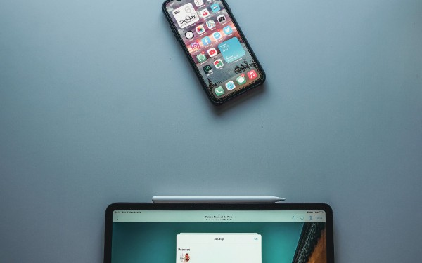 Task Manager: A Tool for Asynchronous iOS Development